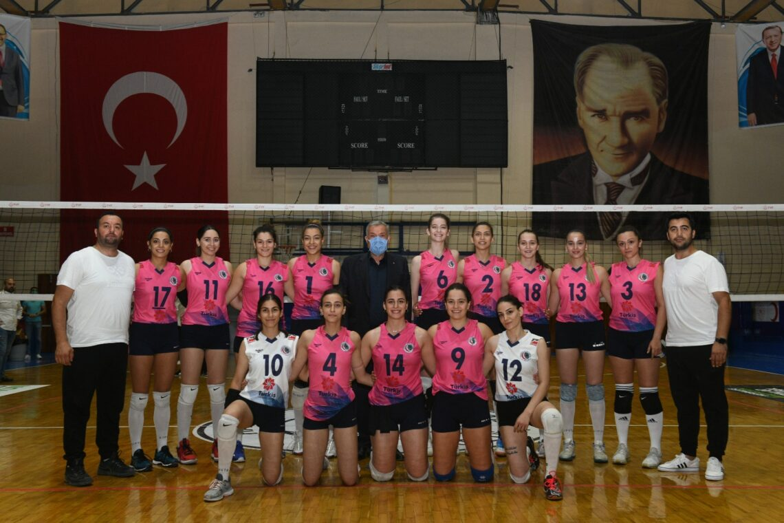Antakya Belediyesi GSK Kadın Voleybol Takımı'ndan Galibiyet